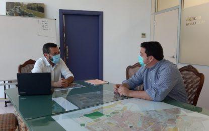 El alcalde apoya los requisitos de Ubago para  que  la plantilla extreme las precauciones  anti Covid-19 dentro y fuera de la fábrica