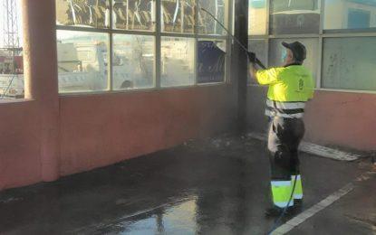 Los trabajos de desinfección se han realizado hoy en zonas exteriores de la frontera y paradas de taxi