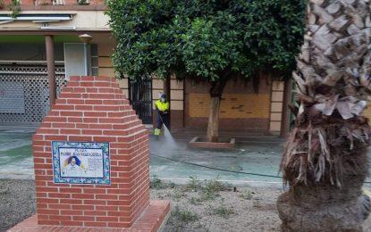Limpieza realiza tareas de desinfección en la zona de San Bernardo y el paseo de Levante