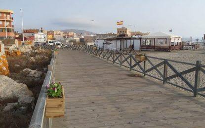 Mantenimiento Urbano dota de jardineras y luz a los puentes sobre el Fuerte de Santa Bárbara