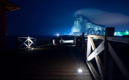 Inaugurada  la nueva iluminación del puente de Santa Bárbara