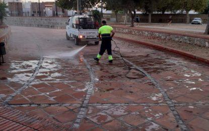 Los trabajos de desinfección se han centrado hoy en la Plaza de Camarón y Los Junquillos