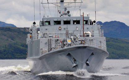Dos cazaminas británicos hacen escala en Gibraltar