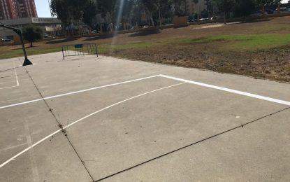 Mantenimiento Urbano continúa con el pintado de delimitaciones divisorias en los patios de los centros educativos