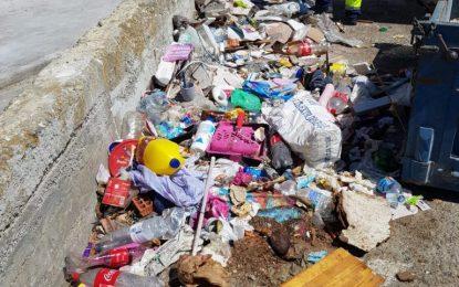 Limpieza y Mantenimiento Urbano coordinan trabajos para la recogida de escombros depositados de forma incívica en la vía pública