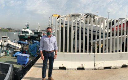 """Manuel Gavira (VOX) exige soluciones urgentes para el """"desguace improvisado"""" de las narcolanchas en el Puerto de Algeciras"""