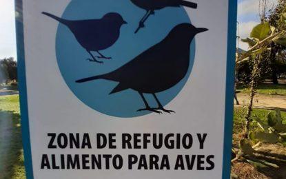 Colocada nueva cartelería en el parque para alertar sobre la presencia de refugios y zonas de alimentos para aves