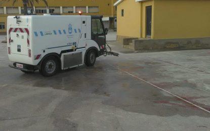 Limpieza prosigue con los trabajos de desinfección en zonas interiores y exteriores de los colegios