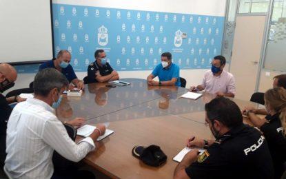 El alcalde coordina con Policía Local y Policía Nacional el inicio del curso escolar del próximo jueves