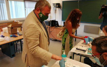 Educación y de Salud realizan más de 23.000 test de control COVID-19 al personal del sistema educativo en Cádiz