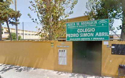 El Ayuntamiento califica de ejemplar la activación del protocolo COVID en el Colegio Pedro Simón Abril tras el positivo de uno de sus alumnos