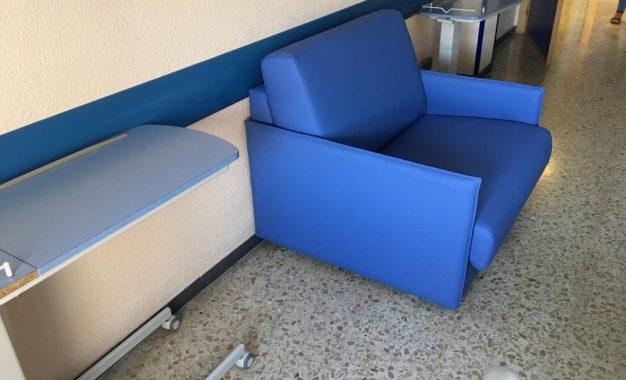Las unidades de Pediatría de los Hospitales de Algeciras y La Línea incorporan 20 sillones donados por la Fundación El Gancho Infantil