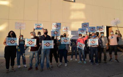 Izquierda Unida y Podemos La Línea, apoyan las reivindicaciones de los vecinos del barrio Santiago Conchal Castillo respecto al solar donde Juan Franco pretende construir un Juzgado.