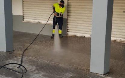 Los trabajos de desinfección de la delegación de Limpieza se han centrado hoy en la barriada de Los Junquillos