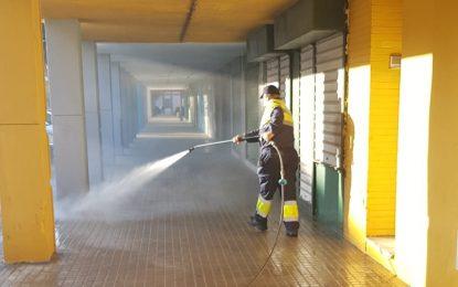 Los trabajos de desinfección y baldeo se han centrado en la zona de La Velada
