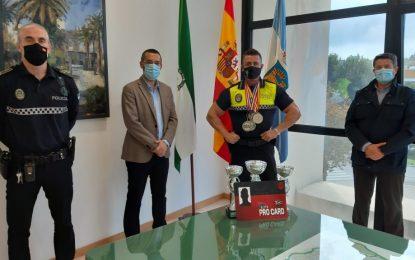El alcalde felicita al agente de la Policía Local, Miguel Ángel Pozuelo, subcampeón del mundo de físicoculturismo