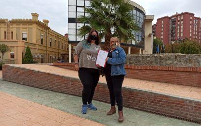 Izquierda Unida y Podemos de La Línea presentan una moción en el Registro Municipal para la consecución de una Ordenanza Reguladora de los Vehículos de Transporte con Conductor (VTC) y en apoyo al Sector del Taxi Linense.