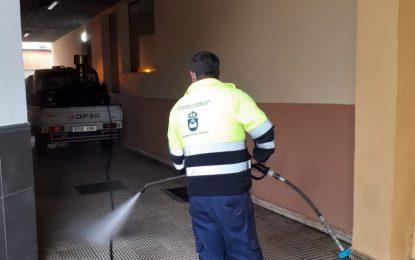 Los trabajos de desinfección de Limpieza se han desarrollado hoy en la zona de La Atunara