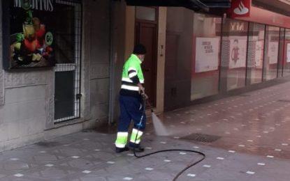 Los trabajos de desinfección se han centrado en las inmediaciones de la frontera y varias zonas del centro de la ciudad