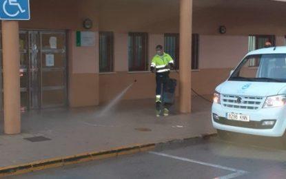 Los trabajos de desinfección de Limpieza se han desarrollado por la zona de La Velada e inmediaciones del centro de salud de Levante