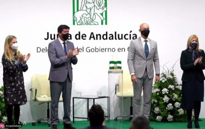 """El alcalde felicita a Fegadi-Cocemfe por la obtención de la Bandera de Andalucía """"A los valores humanos"""""""