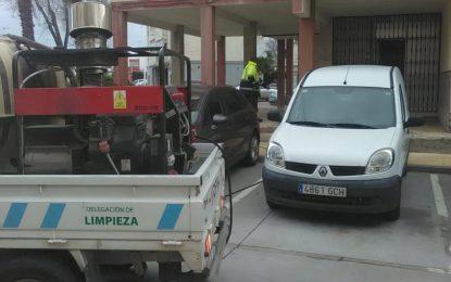 Los trabajos de desinfección de Limpieza se han desarrollado en las inmediaciones de los colegios Salesianos, Huerta Fava y Las Mercedes