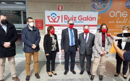 El alcalde asiste a la inauguración de un nuevo Ruiz Galán en la Alcaidesa