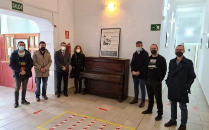 La familia de Muñoz Molleda dona al Conservatorio de Música el piano del compositor