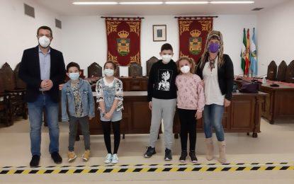 Una alumna del colegio Juan Pablo II-San Pedro, primer premio del concurso de dibujo conmemorativo del Día Mundial Sin Tabaco