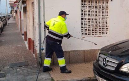 Los trabajos de desinfección de Limpieza se han desarrollado en los paseos marítimos de Poniente y Levante