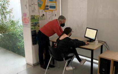 La Casa de la Juventud pone a disposición de los usuarios ordenadores y asesoramiento personal para la obtención de la Garantía Juvenil