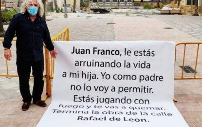 El dueño de Don Caramelo inicia mañana una huelga de hambre en la puerta del Ayuntamiento de La Línea culpando a Juan Franco