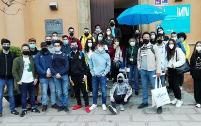 El departamento del Grado de Geografía e Historia de la Universidad de Jaén visita las fortificaciones militares de La Línea