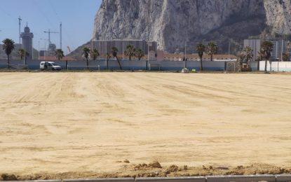 Comienza la obra para la instalación de césped artificial en los campos de fútbol de la ciudad deportiva