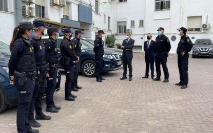 El subdelegado del Gobierno en Cádiz, José Pacheco, ha visitado hoy la comisaría de la Policía Nacional y el cuartel de la Guardia Civil de La Línea
