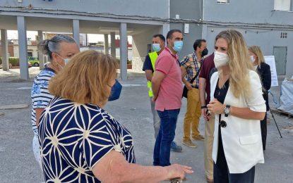 Las obras de rehabilitación energética en la barriada Gravina, en La Línea, finalizarán a mediados de julio