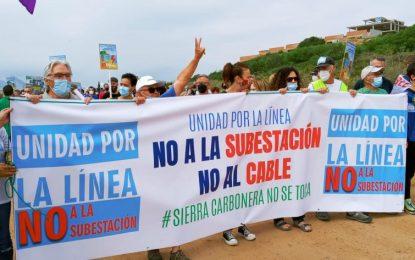 Más de 2.000 personas secundan la manifestación de Unidad Por La Línea contra la subestación eléctrica