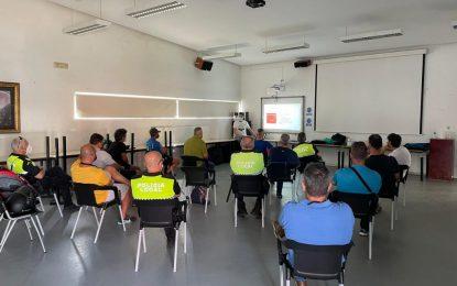 Agentes de la Policía Local asisten a dos cursos sobre primeros auxilios en playas y actualización de la normativa sobre vehículos de movilidad personal