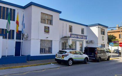 Detenida por la Policía Local una pareja minutos después de cometer presuntamente un delito de robo con fuerza