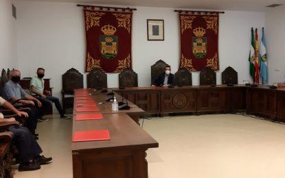 Deportes y la Federación Andaluza de Montañismo establecen vías de colaboración para diversificar la oferta deportiva municipal