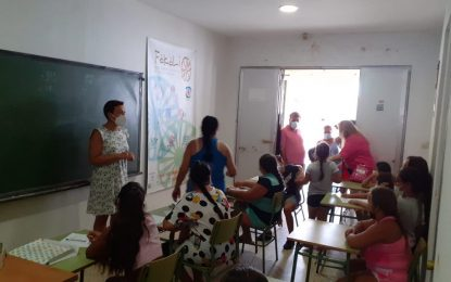 Gemma Araujo visitó el campamento de Verano de Nakera Romi