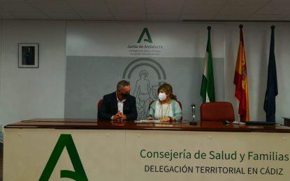 La  Línea recibe en Cádiz  el distintivo que acredita a la playa de Santa Bárbara como espacio sin humo