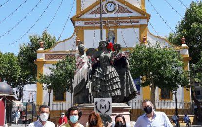 La Línea celebra el Día de la Mujer Linense y engalana la escultura de Las tres Gracias