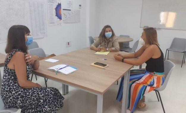 El Centro Municipal de Atención a la Mujer y el Instituto Andaluz de la Mujer en Cádiz estrechan su colaboración