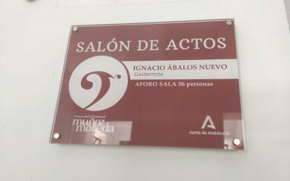 """El alcalde ha visitado el nuevo salón de actos dedicado a Ignacio Ábalos en el Conservatorio Profesional de Música """"Muñoz Molleda"""""""