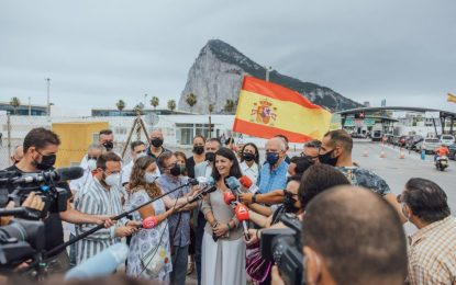 Macarena Olona reclama desde la Verja la soberanía española sobre Gibraltar