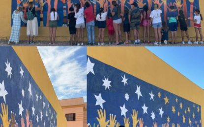 El programa 'Murales para la convivencia'  comienza su primer mural en la barriada de la Atunara