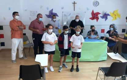 Educación felicita al colegio Juan Pablo II-San Pedro que ha sido reconocido por su contribución a la paz por Mayor-Net