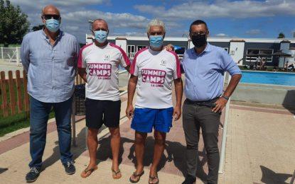 El alcalde acude a  la clausura del Summer Camp del Linense Tenis Club