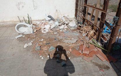 Nuevas retiradas de escombros depositados junto a puntos de contenedores